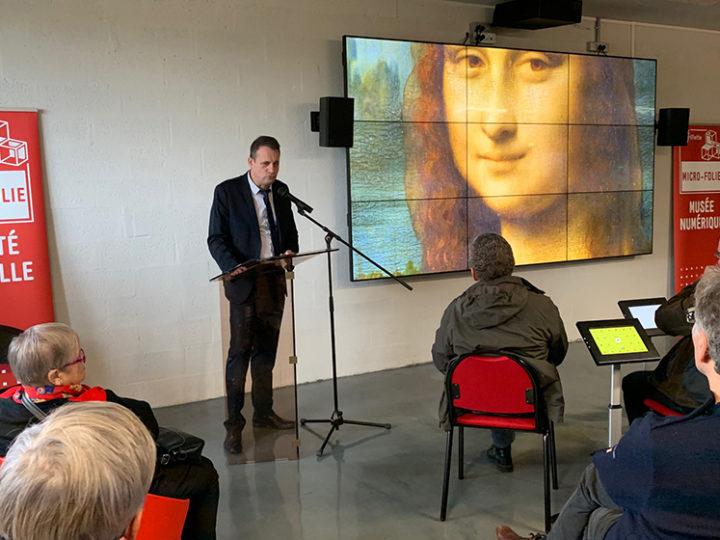 Marc Pottier, maire de Colombelles, présente la Micro-Folie à la Grande Halle